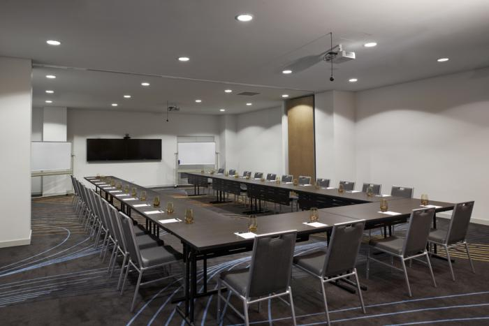 rydges-sydney-airport-conference-room